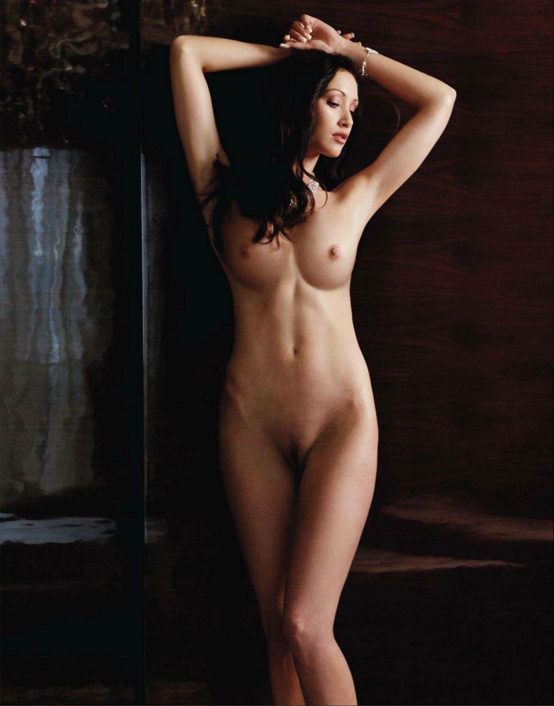 Lynn Collins Nude Side Boob