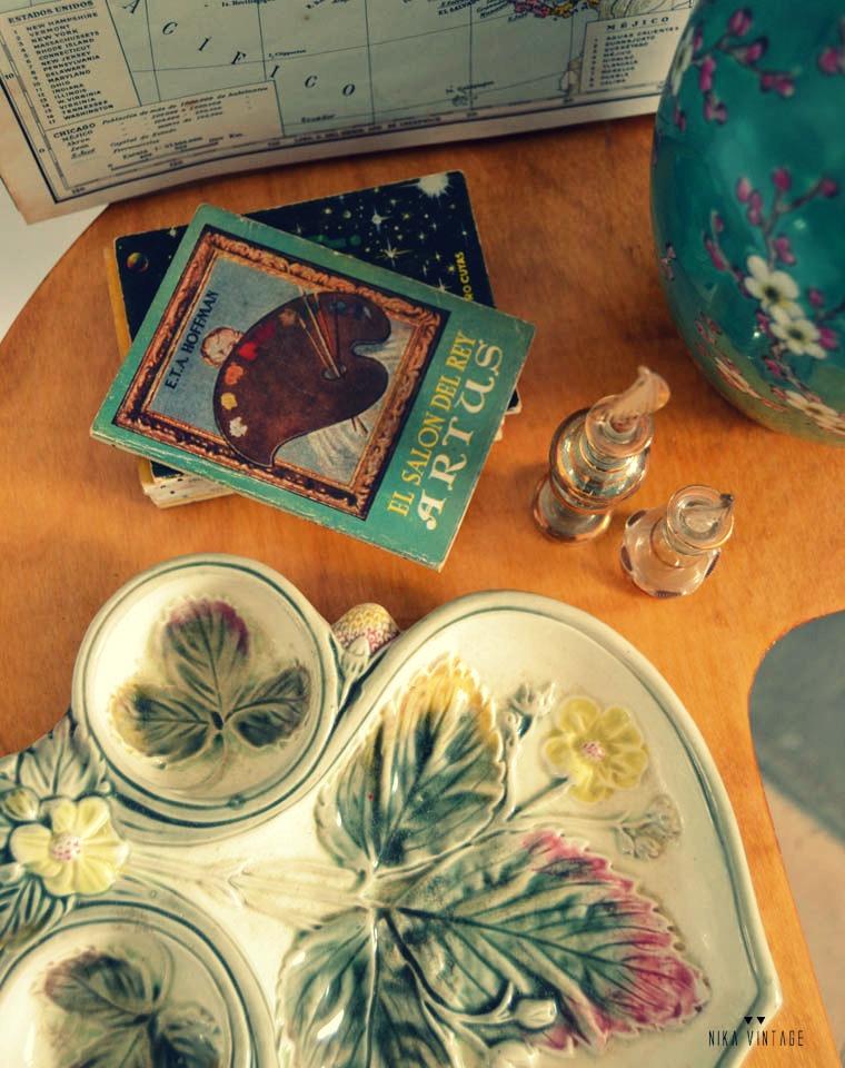 Participo con un par de composiciones de antigüedades y objetos vintage en el desafío color mint