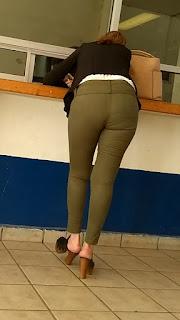 Maduras bonitas buen cuerpo pantalon vestir apretado