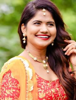 Uma Neha Singer Family Husband Parents children's Marriage Photos