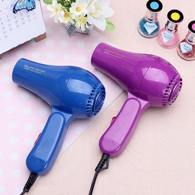 Máy sấy tóc mini là gì? Có nên mua máy sấy tóc mini không?