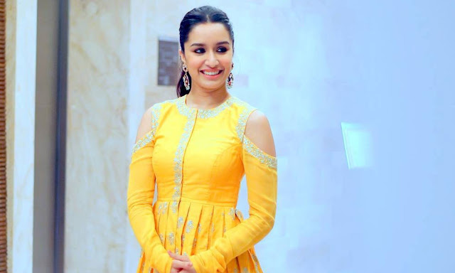 Shraddha Kapoor in Yellow dress at 48th International Film Festival of India
