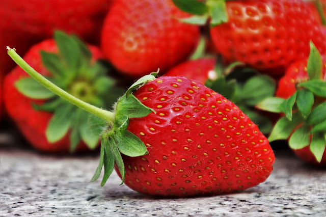 9 Benefits of Strawberry for Health and Beauty