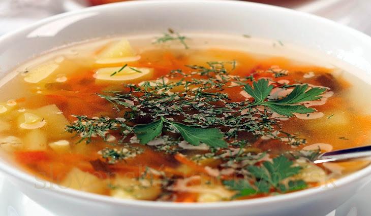 Teľacia polievka so zeleninou
