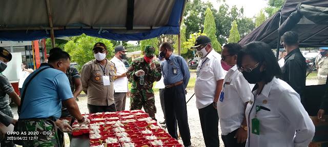 TNI-Polri bersama Pemerintah Kabupaten Maluku Tenggara mendirikan dapur lapangan