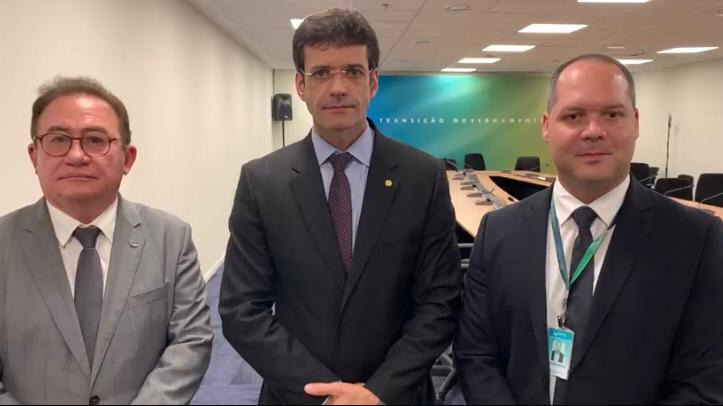 Heitor Freire (foto Divulgação) foi a Brasília para cumprir agenda de  reuniões com a equipe de Transição dos Governos MichelTemer-Jair Bolsonaro  e a Bancada ... e08c202fbf616