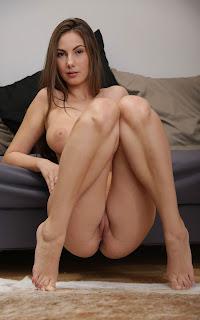 中出演色情 - Sexy Naked Girl - Connie Carter - 3