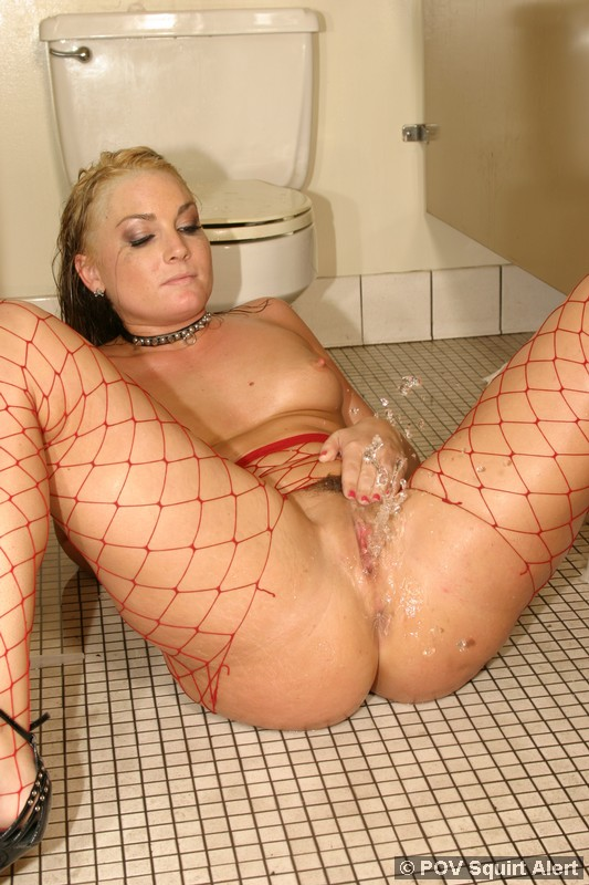 Hot Squirting Pics With Pornstars
