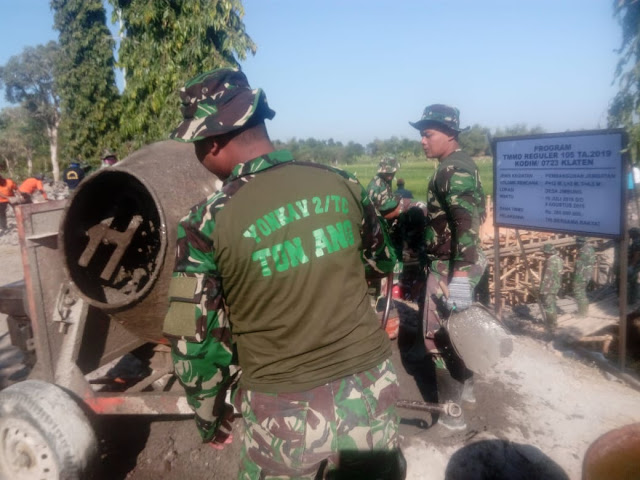 TNI Yang Satu Ini Biasa Sopir Tank, Kini Sopir Molen Untuk TMMD Reg 105 Kodim Klaten
