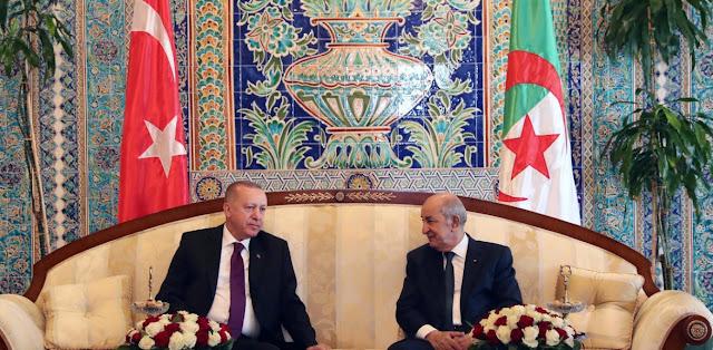 Ο Ερντογάν έβαλε «μπουρλότο» και στην Αλγερία μιλώντας για «γενοκτονία» από τους Γάλλους