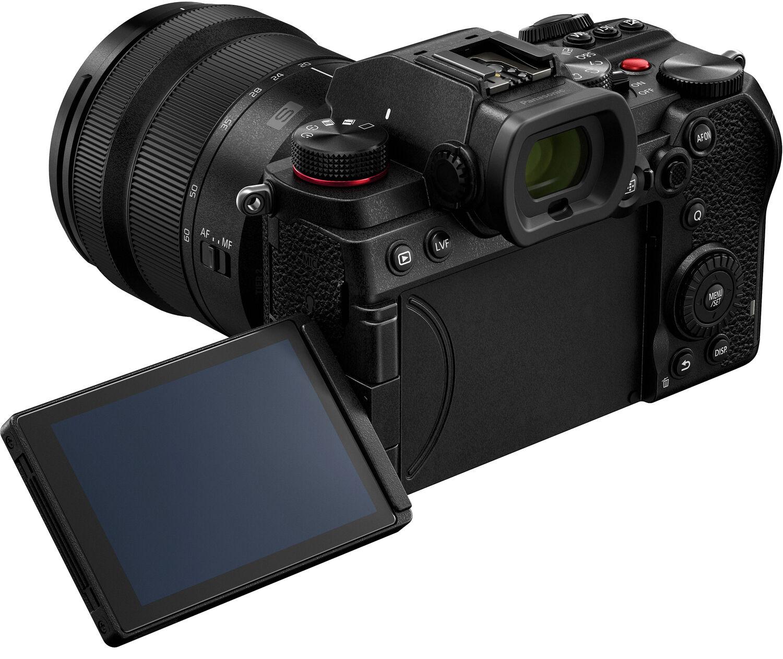 Panasonic Lumix S5 в поворотным экраном