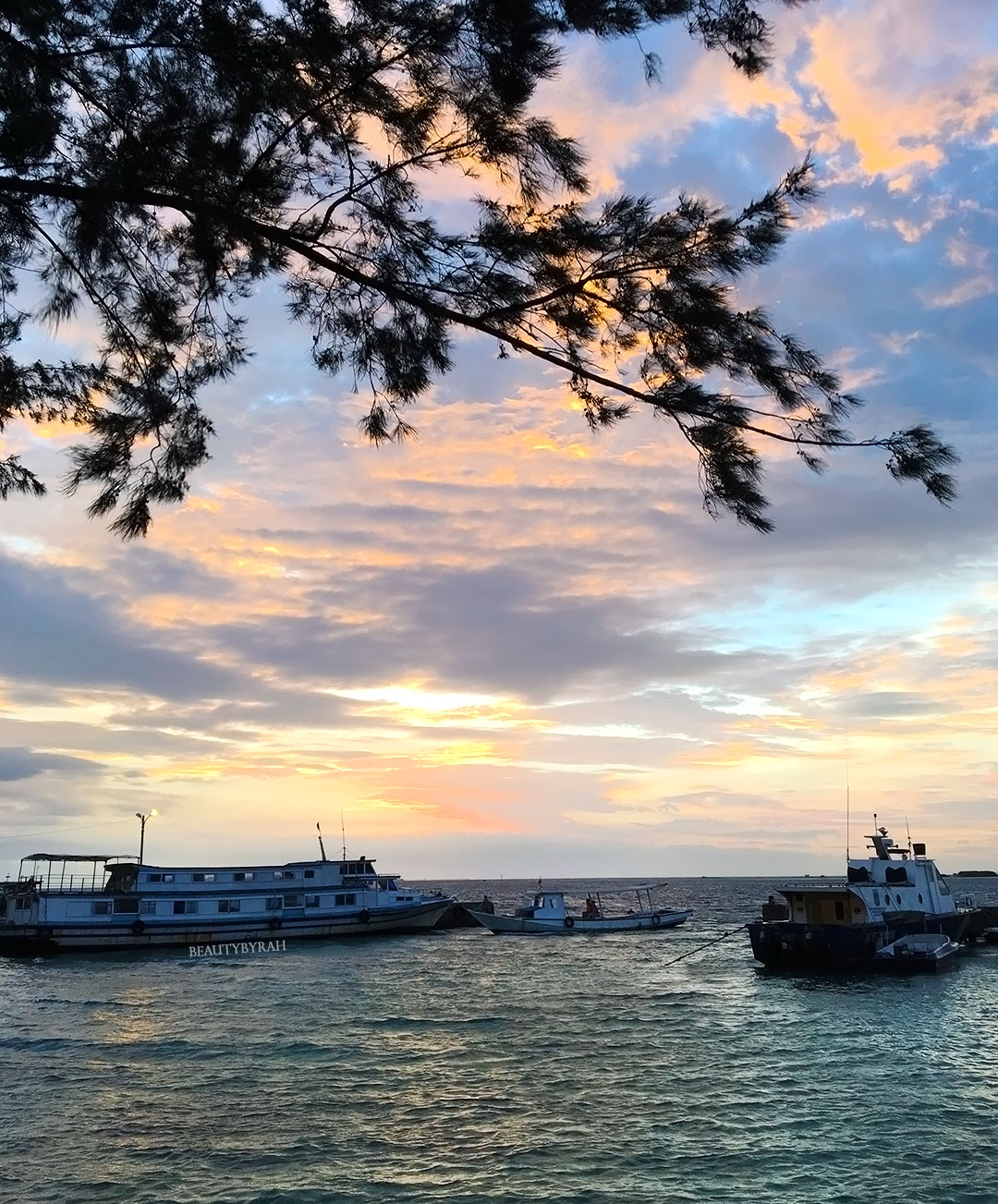 Thousand Islands Travel Guide seribu resort review