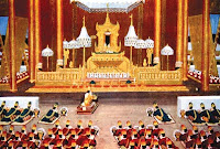 History and the King of Bagan in the Throne Hall