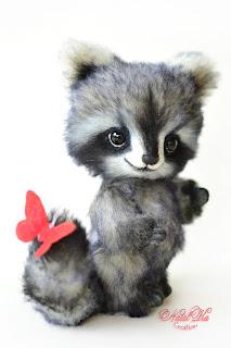 Artist teddy raccoon, ooak coon, handmade racoon, NatalKa Creations, teddies with charm, Teddys, Teddy Waschbär, Künstlerteddy