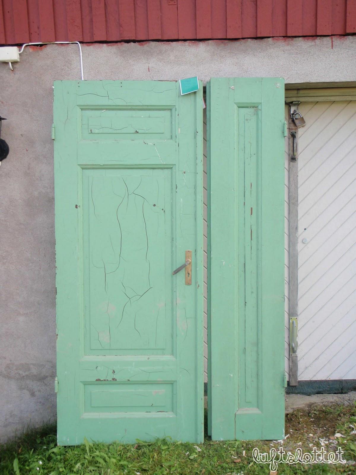 Luftslottet: MANGE gamle dører og vinduer til salgs!