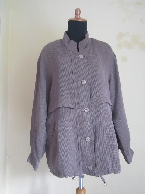 Jaket Wanita Basic Edition Ukuran XL ( JKW 2 )