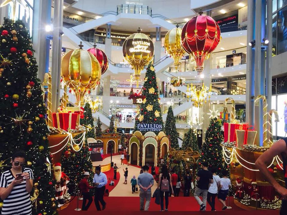 twinkles and sparkles charm and wonder christmas is here at pavilion kl too inspired by hot air balloons featuring sprinkling of love joy and goodwill - Mall Christmas Decorations