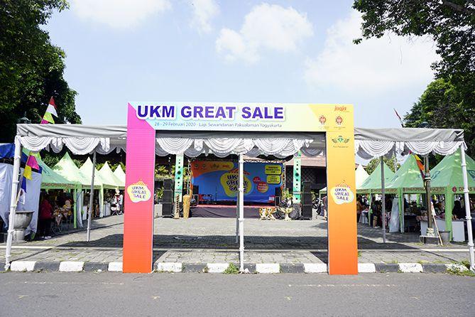 Panggung Pameran UKM di Alun-alun Sewandanan Pakualaman
