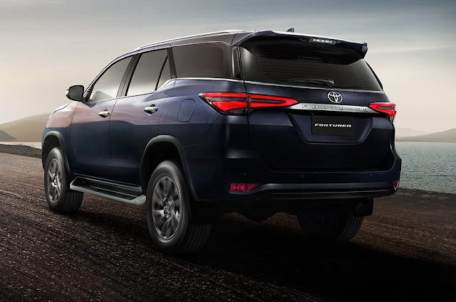 Toyota Hilux SW4 2021 com facelift - fotos e detalhes   Postando como Redação - CarBlog