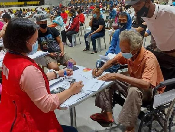 DSWD shifts to cash cards for seniors' social pension, UCT grants