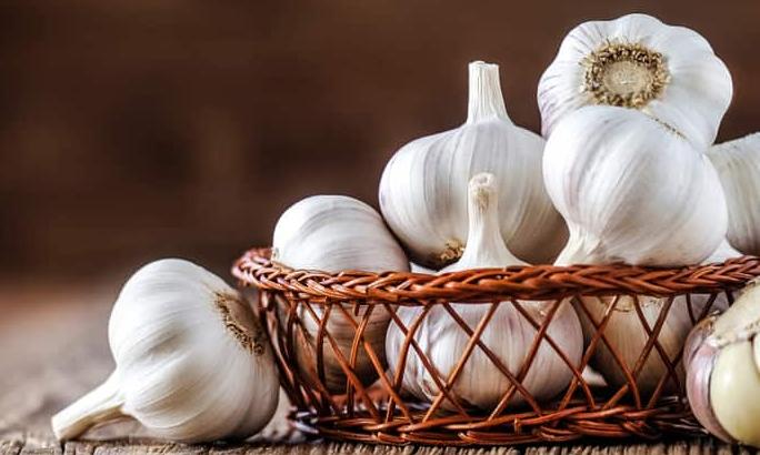 cara menghilangkan bekas jerawat dengan bawang putih