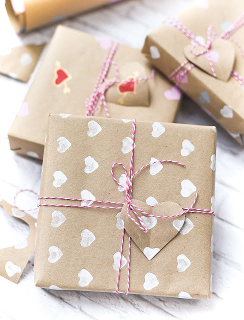 Easy DIY Valentine Wrapping Paper
