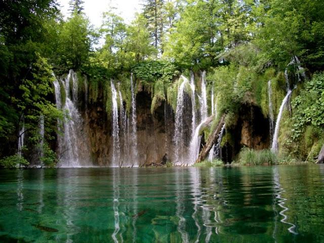 بحيرات بليتفيتش الكرواتية Plitvice-Lake-Croati