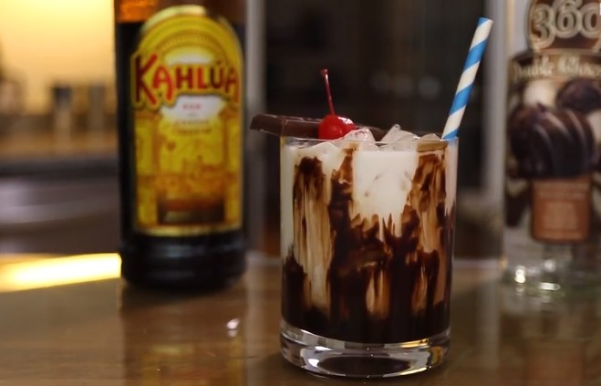 Chocolate White Russian #drinks #cocktails