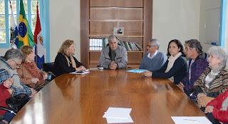 Prefeito de Teresópolis se reúne com artistas da Soarte e nome da galeria será em homenagem à Sami Mattar