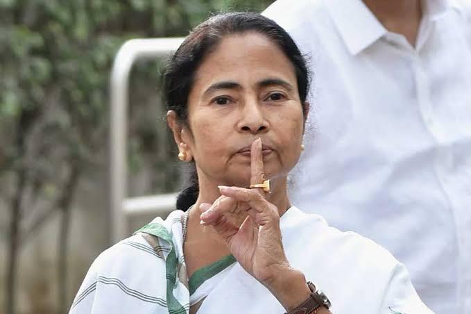 Breaking News : ममता बैनर्जी नहीं रहेंगी अब मुख्यमंत्री कि इस्तीफे की पेशकश !!