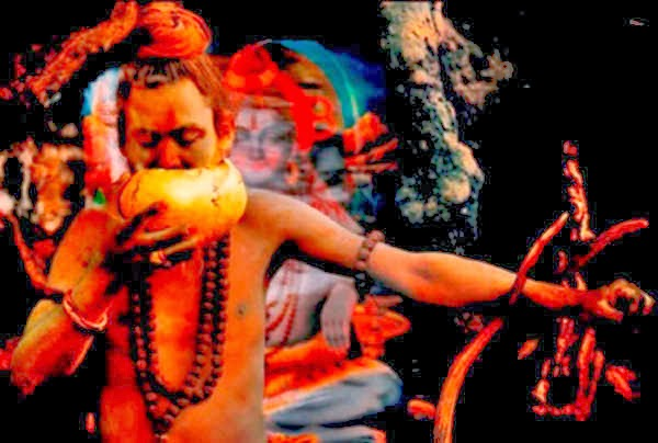 Eating Human Body by Aghori Sadhu
