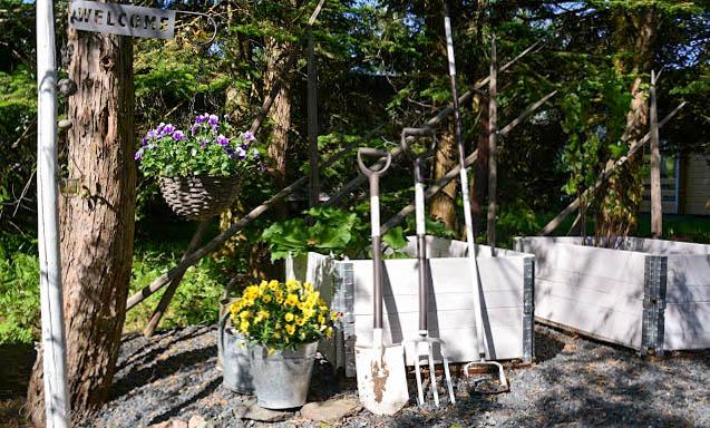 fiskars light garden puutarhatyökalut kotipuutarhaan