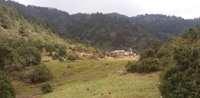 Langtang Valley and Gosaikunda Trekking, Magen Goth