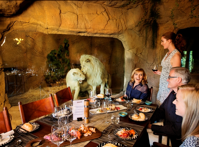canberra jamala wildlife lodge dine with lions