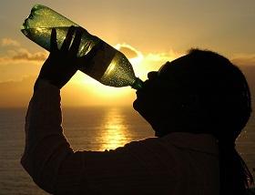 شرب الماء بكثرة أهم نصائح رجيم المرضعات