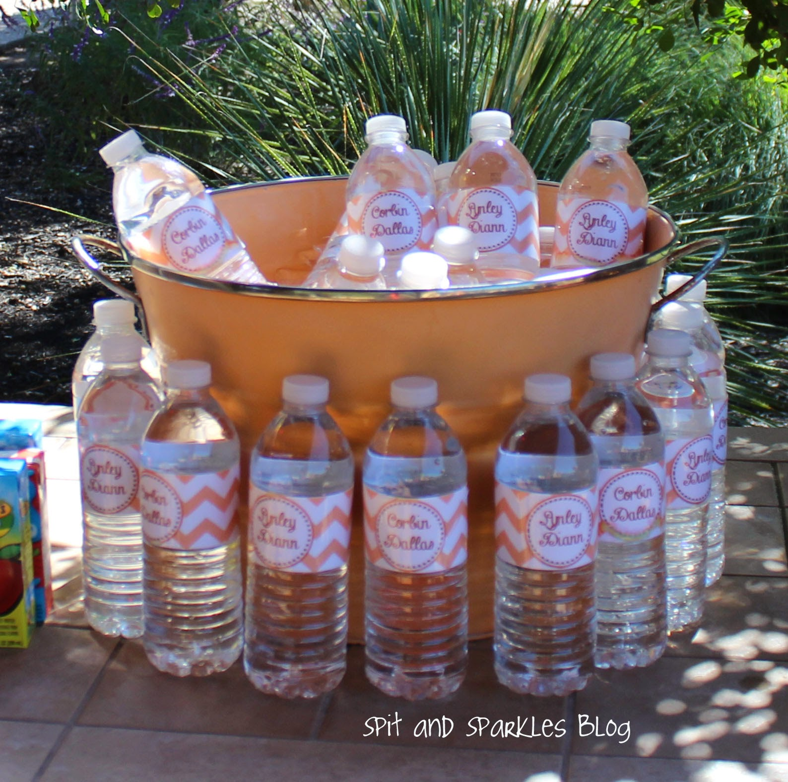 DIY water bottle labels #firstbirthday #diy
