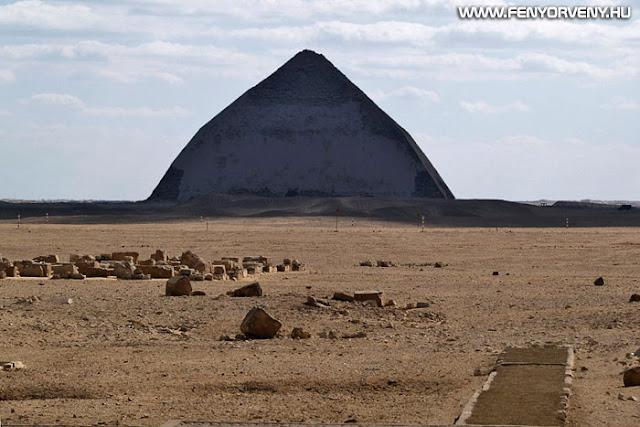 Fél évszázad után nyitották meg újra a látogatók előtt az egyik legősibb piramist