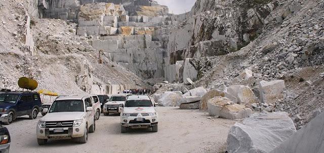 Un tour en 4x4 a las cavernas de marmol de Carrara