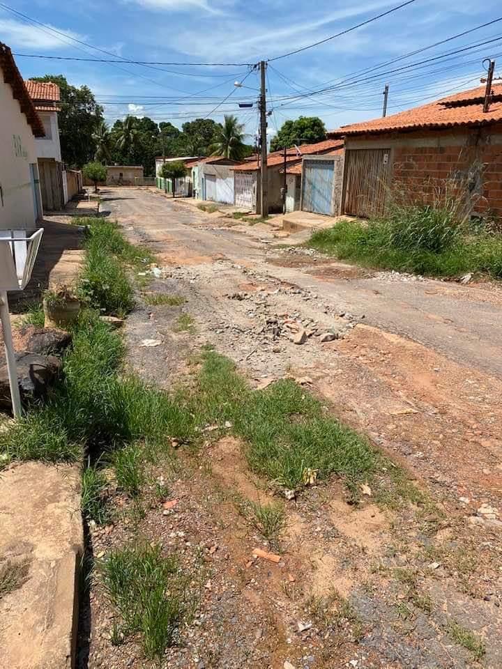 Barreiras: Moradores reclamam de situação precária de rua Na Vila Amorim
