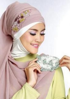 Aksesoris Hijab : Bross