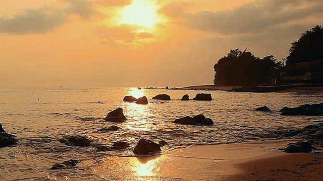 Pantai_Penyak