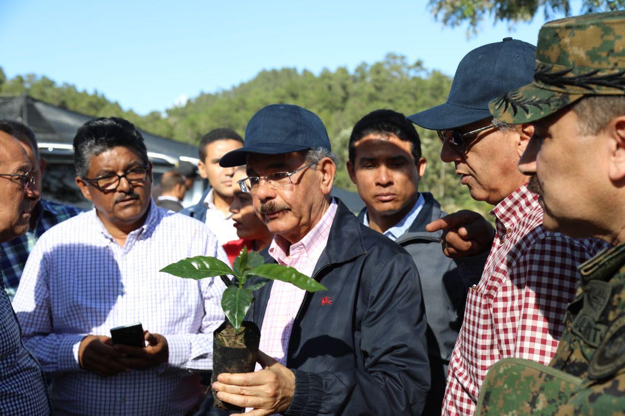 Danilo supervisa proyectos desarrollo agroforestal. Mayor inversión de todos los tiempos en recursos