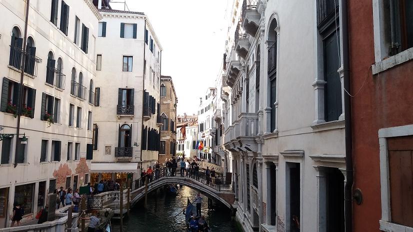 canales-estrechos-lugares-imprescindibles-que-ver-venecia