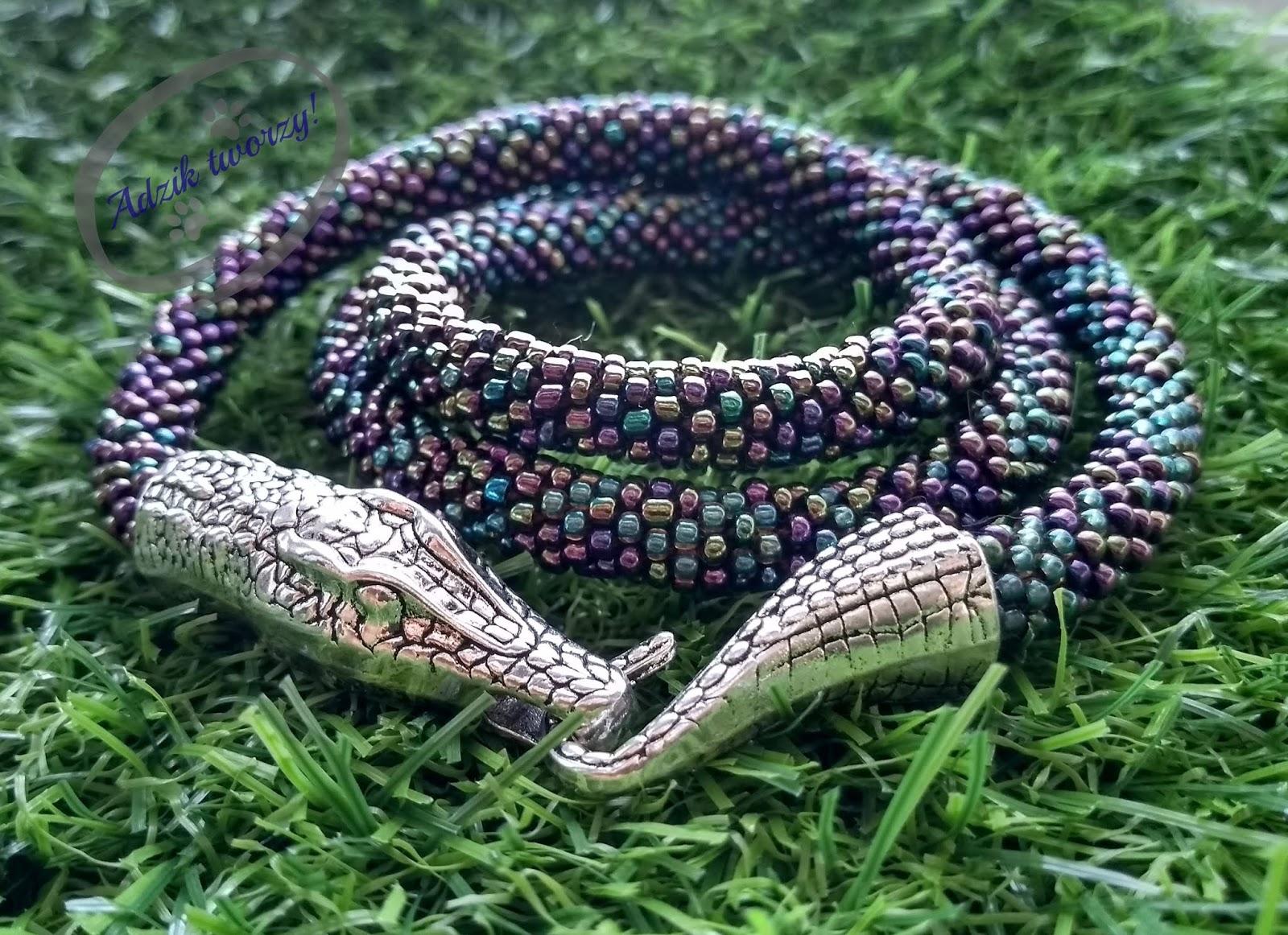 Naszyjnik szydełkowo-koralikowy jak krokodyl