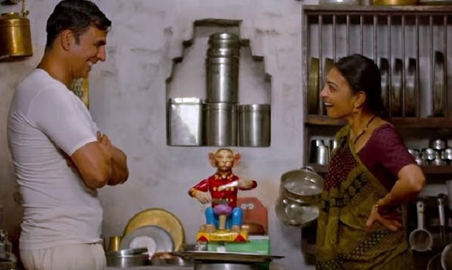 Akshay Kumar and Radhika Apte in PadMan