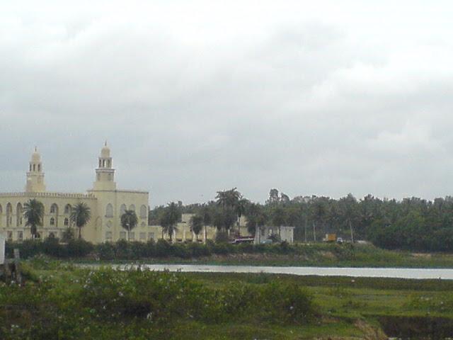 Al-Masjid ul Burhani in Gottigere off Bannerghatta Road