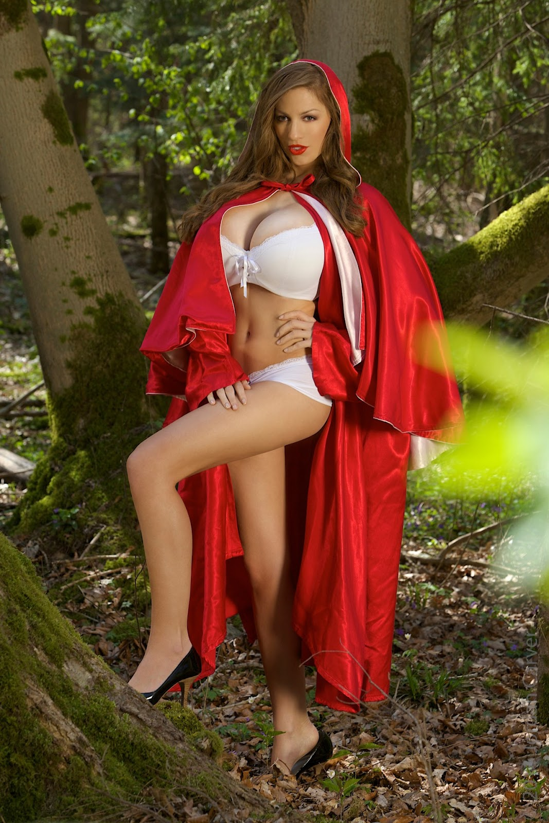 Jordan carver red riding hood