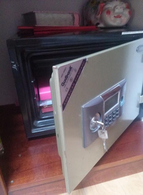 Cách mở két sắt khi quên mã số mật khẩu