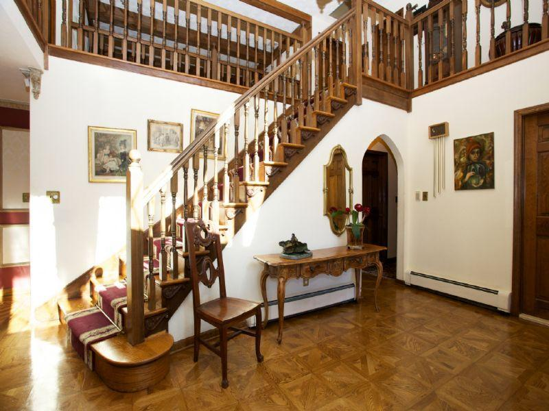 old world gothic and victorian interior design victorian gothic interior style. Black Bedroom Furniture Sets. Home Design Ideas