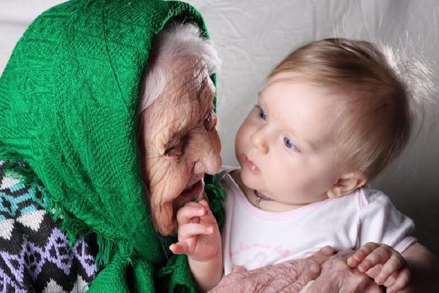 """Ребенок вцепился в сухонькую старушонку и кричал: """"Бабушка, не отдавай меня!"""""""
